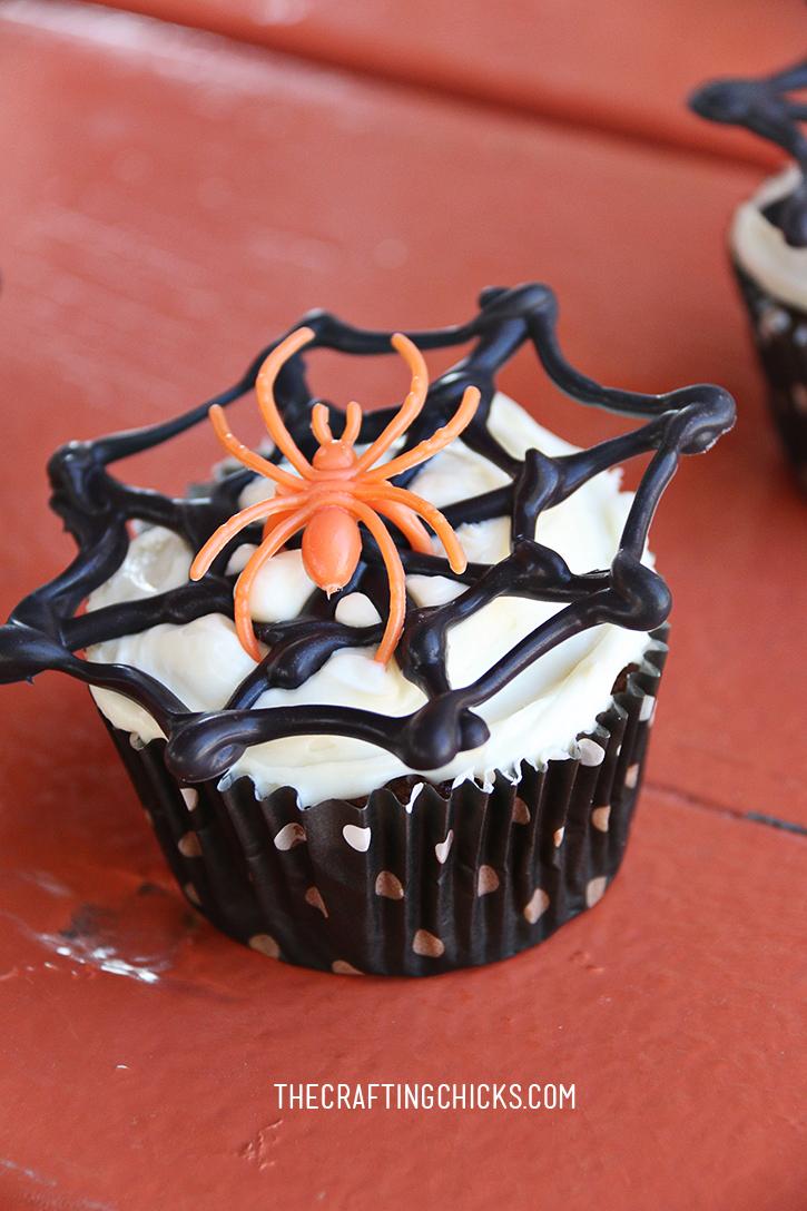 sm spider cupcake 1