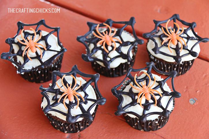 sm spider cupcakes 3