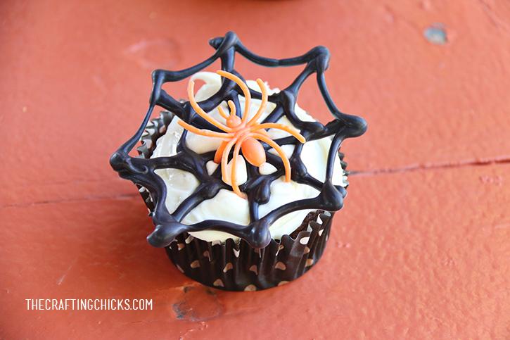 sm spider cupcakes 4