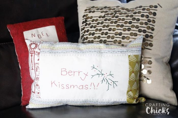 Merry-Kissmas-pillow