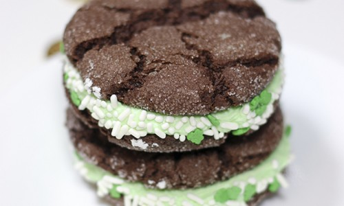 St. Patrick's Day Chocolate Mint Crackle Sandwich Cookies