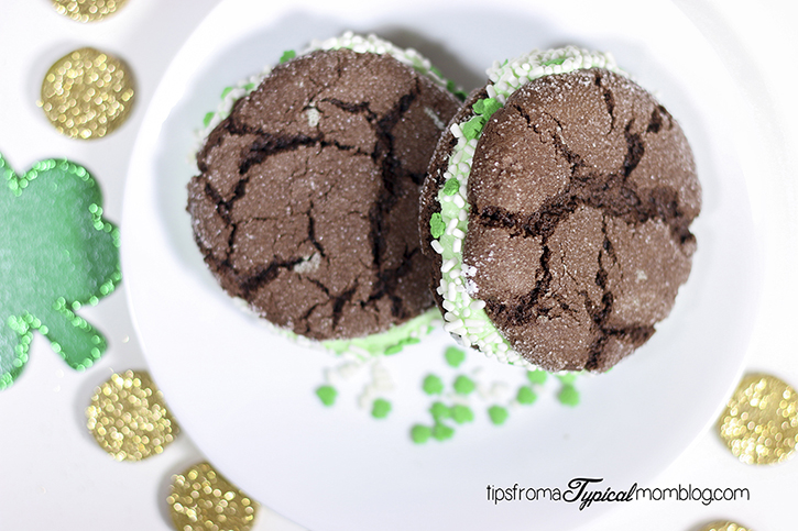 Chocolate Crackle Mint Sandwich Cookies