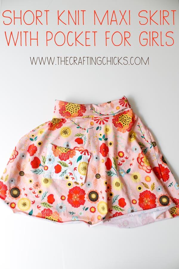 Short Knit Maxi Skirt with Pocket