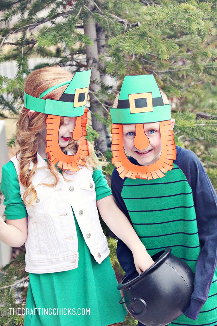 DIY Leprechaun Mask Printable - A fun activity for a St. Patrick's Day class party!