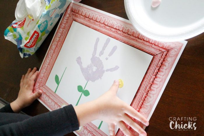 mothers-day-flower-handprint