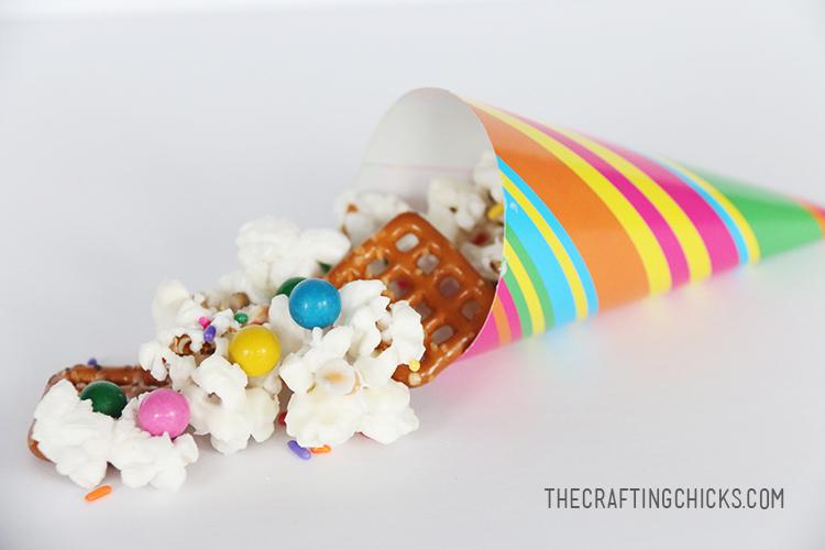 Summer Popcorn Mix