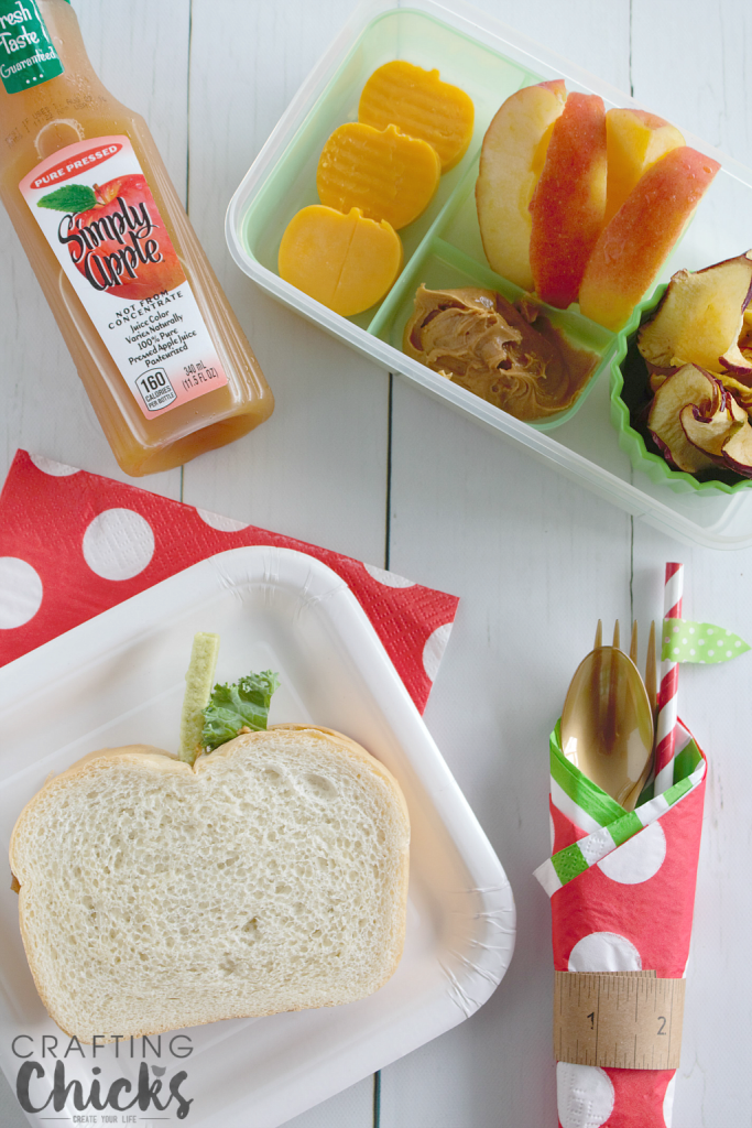 Back to school won't be such a bummer with this fun Apple Themed Lunch!
