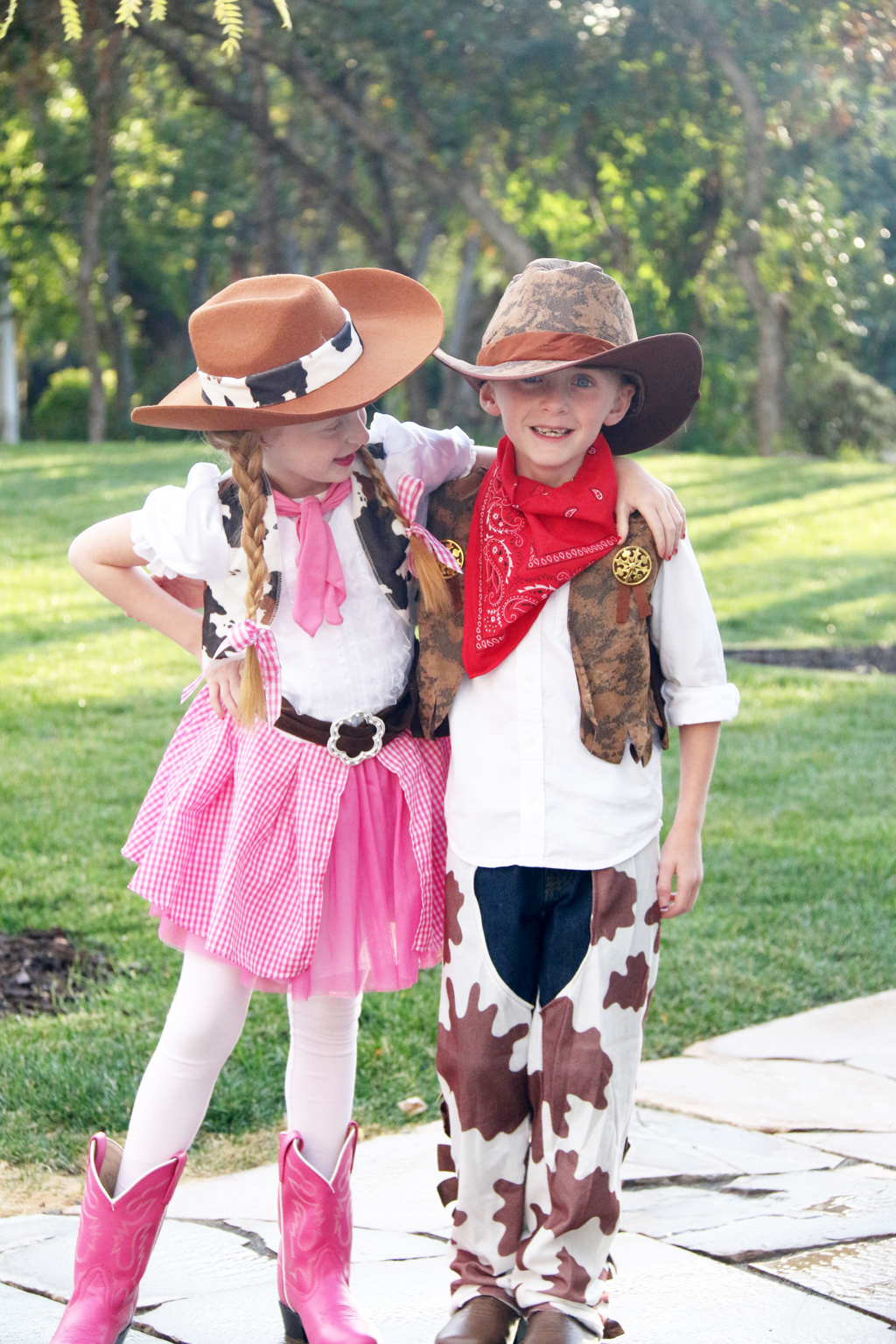 boy girl halloween costume idea cowboy and cowgirl