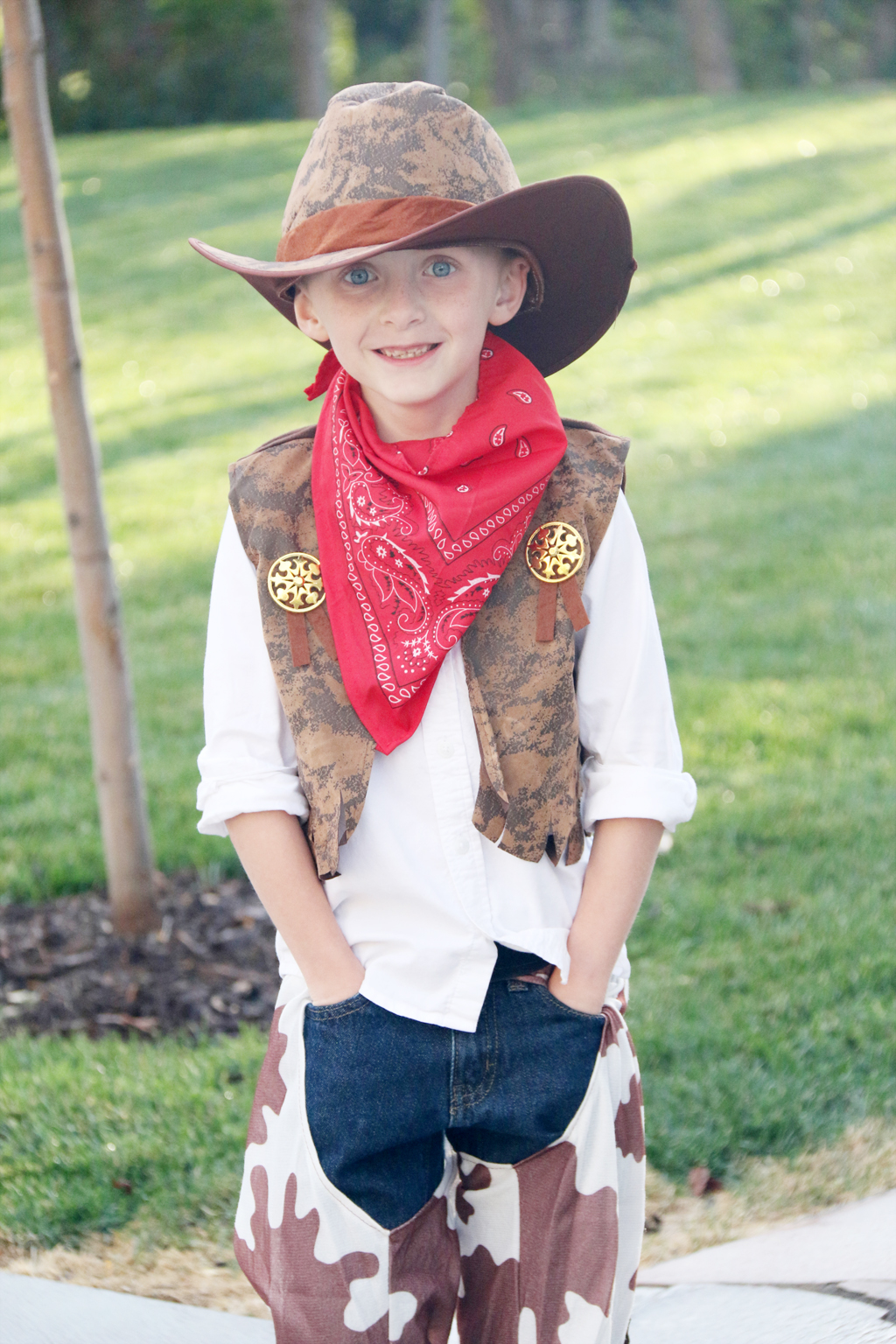 boy girl twin costume idea-cowgirl and cowboy - the crafting chicks