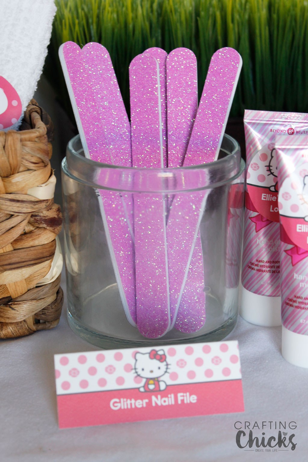 Hello Kitty Spa Party Pink Glitter Nail Files