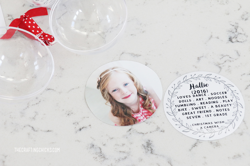 DIY Photo Ornaments - Grandparents will love this Christmas gift!