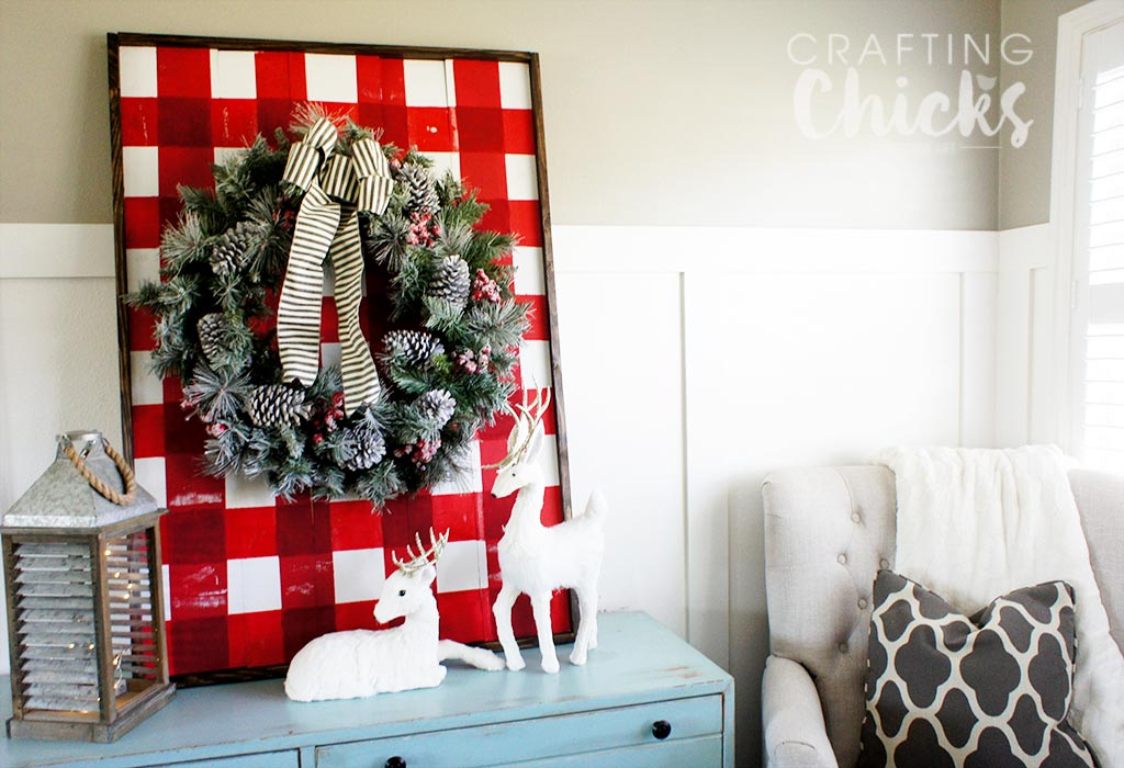 DIY Buffalo Plaid Wooden Plank Display | Christmas Decor | Home Decor | Christmas Craft