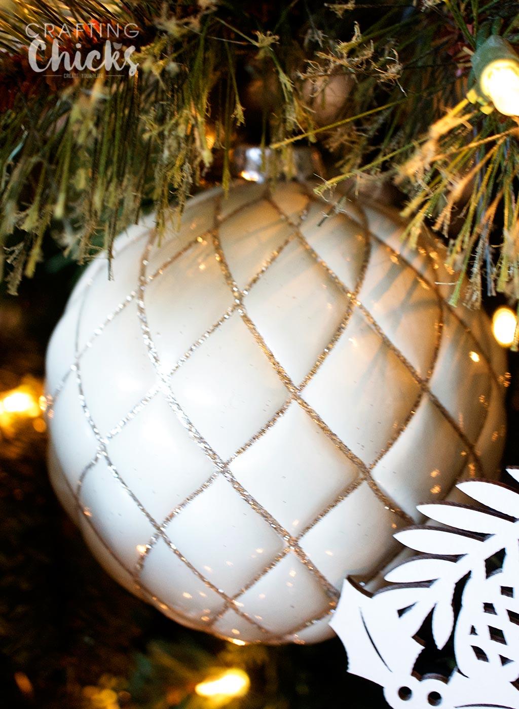 glitter-ornament