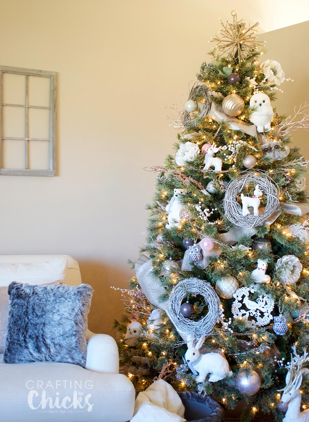 winter wonderland christmas tree the crafting chicks. Black Bedroom Furniture Sets. Home Design Ideas