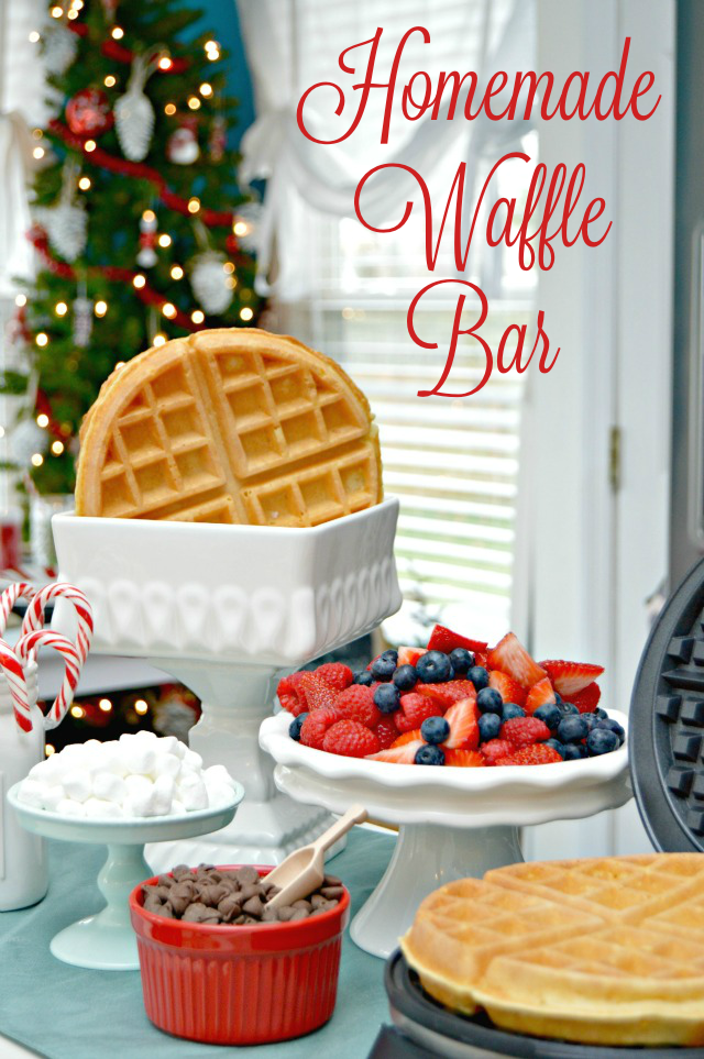 Christmas Breakfast - Yummy recipes for Christmas morning.  Casseroles, sliders, pancakes, french toast, waffle bar, biscuits, and cinnamon rolls.