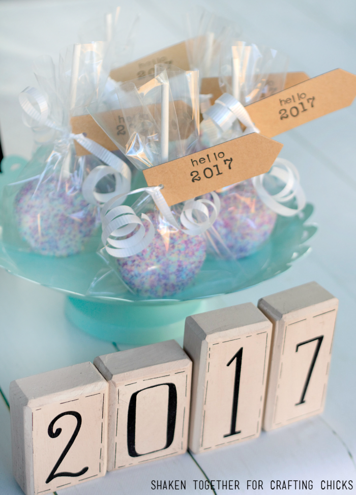 Ring in the new year with our Ball Drop Oreo Pops! They are no bake and SO easy!