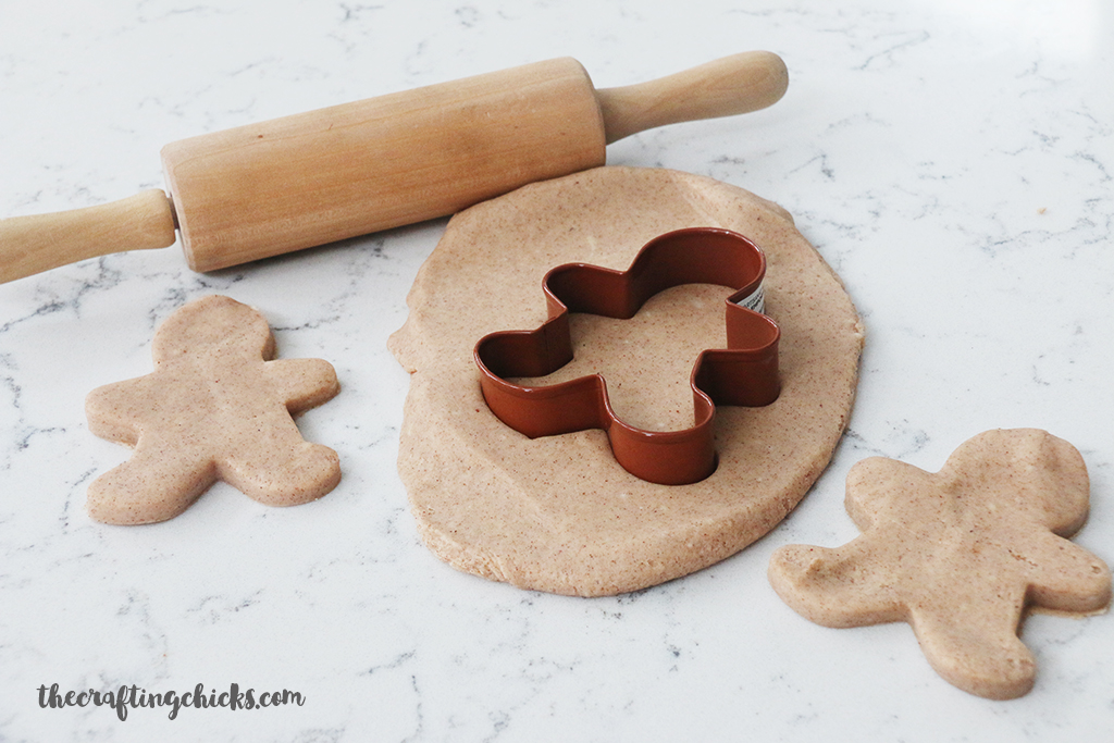 DIY Gingerbread Playdough - A simple gift idea - A fun kids activity