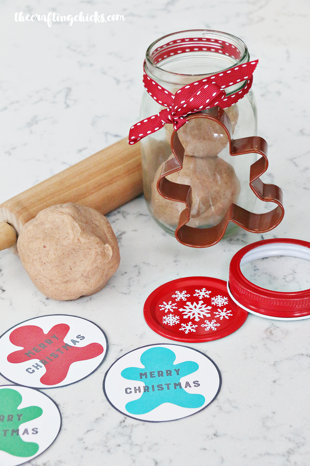 Gingerbread Gift Tag Printable - A simple Christmas neighbor gift idea
