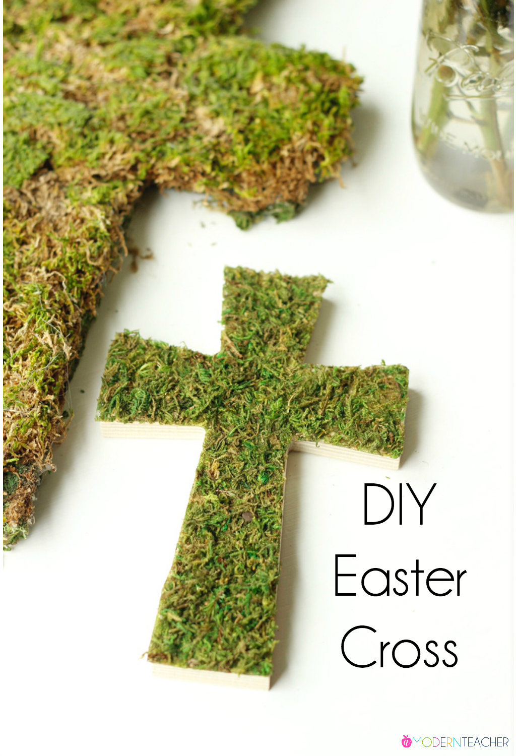 DIY Easter Cross is the perfect addition to your spring home decor and Easter Brunch. A simple spring project you can complete in no time.