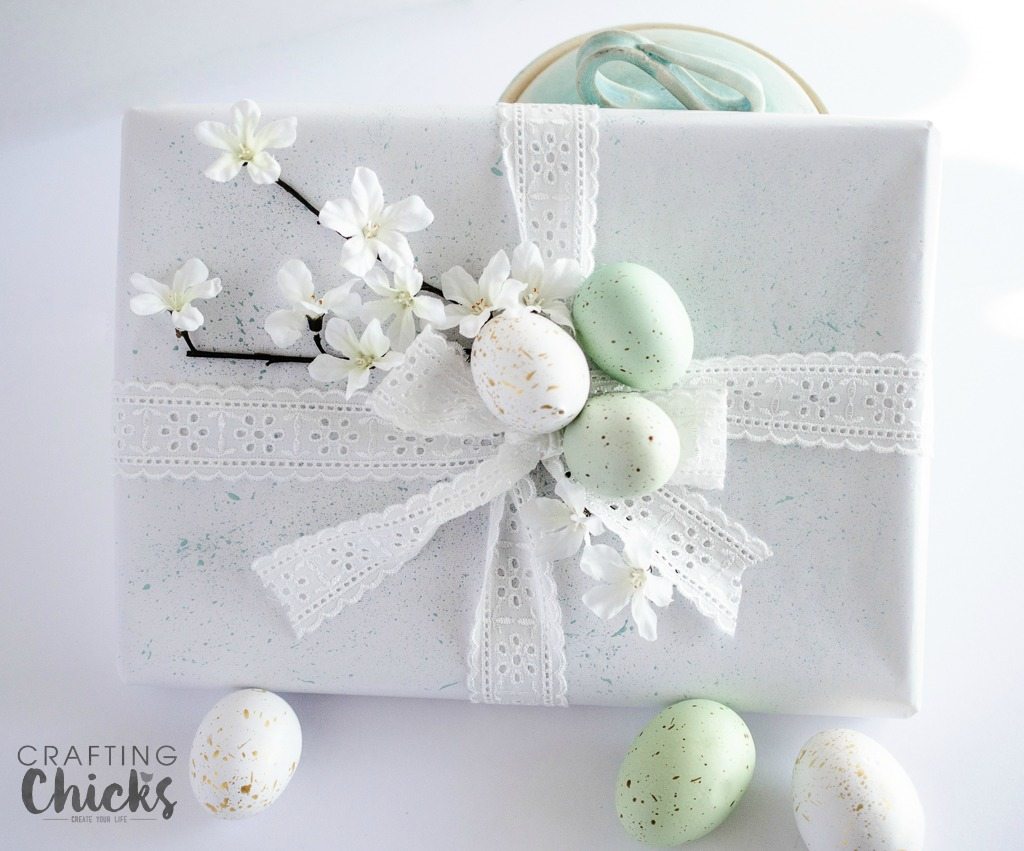 Make someones day with this Springtime Gift Wrap Idea. A lovely gift to give to Easter dinner, host or for a spring wedding or even a spring birthday.