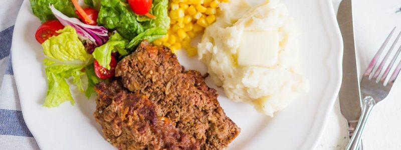 Mom's Easy Homemade Meatloaf Recipe