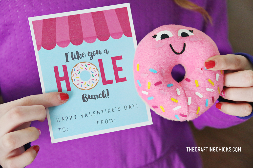 Donut Valentine Printables - A fun class valentine or try adding these tags to a box of donuts for teachers, neighbors or friends!