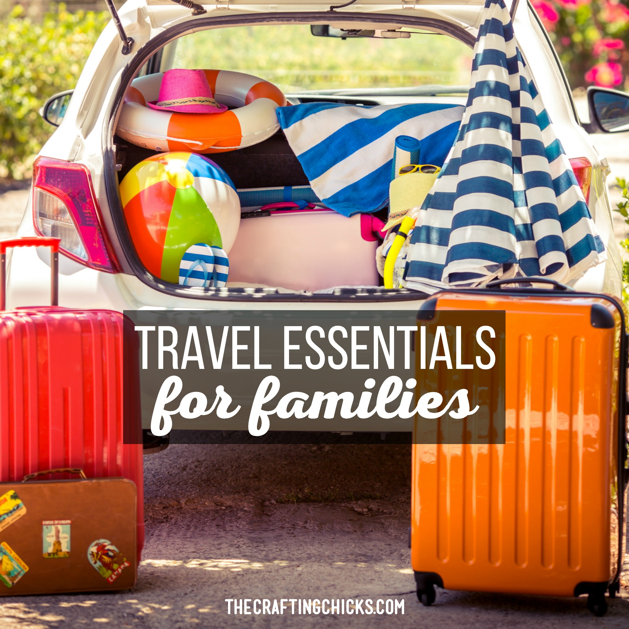 Traveling with family can be an adventure! Let's make it a great one with these travel essentials for families. Everything to make your trip easier.