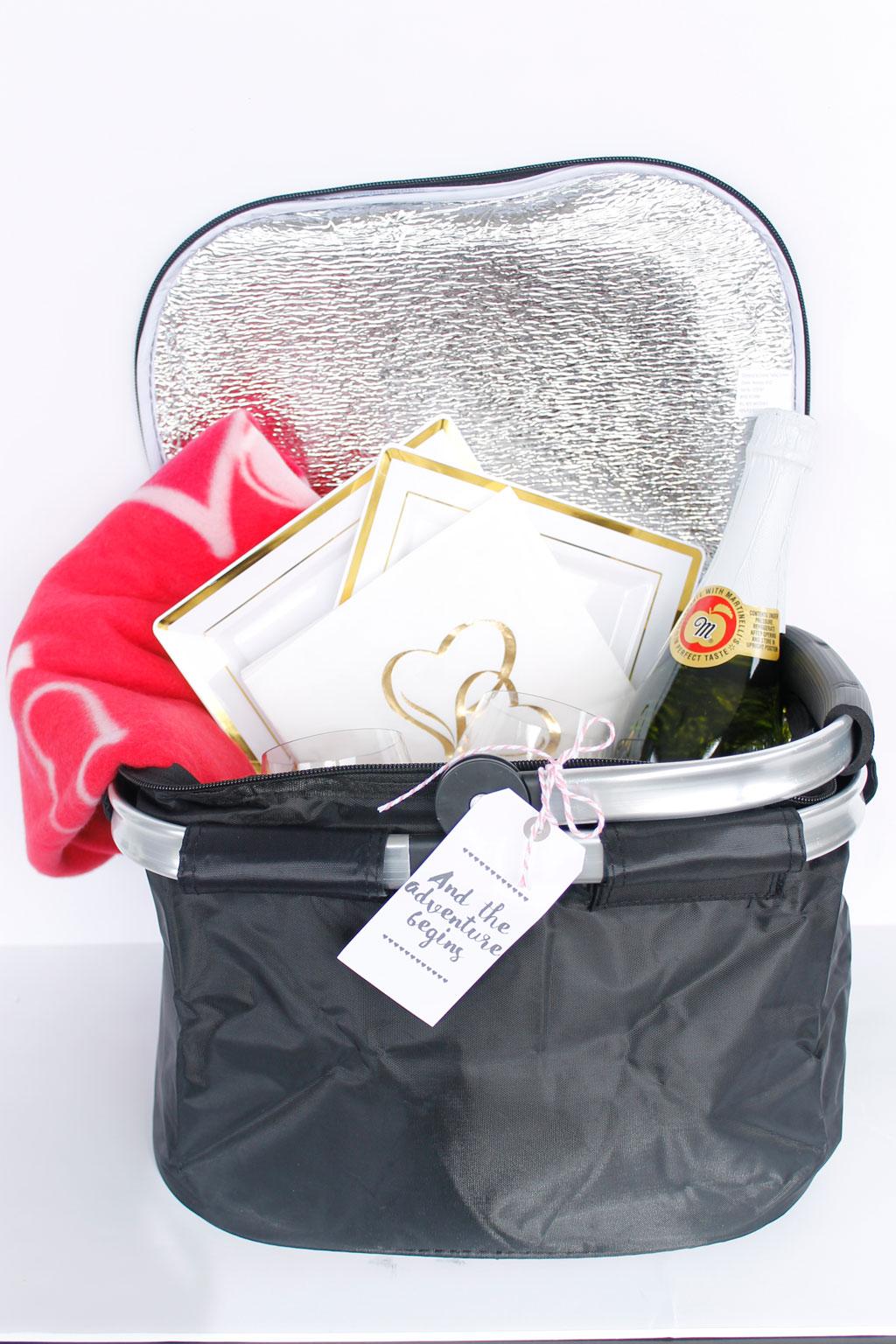 DIY Couples Picnic Basket Gift Idea