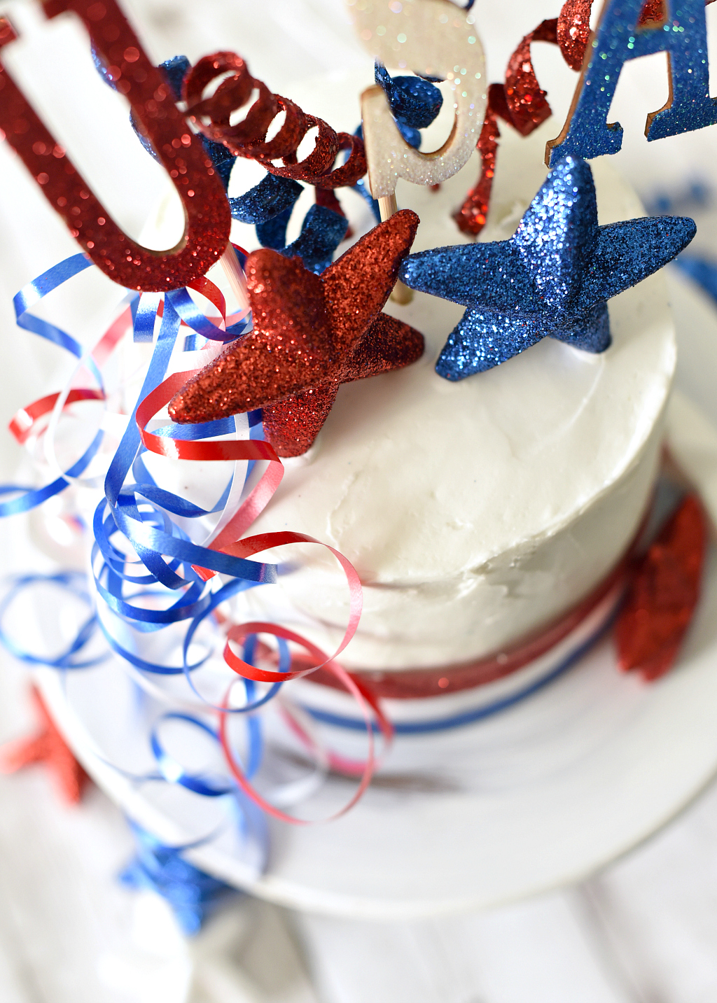 How to Make a Patriotic Cake for the 4th of July