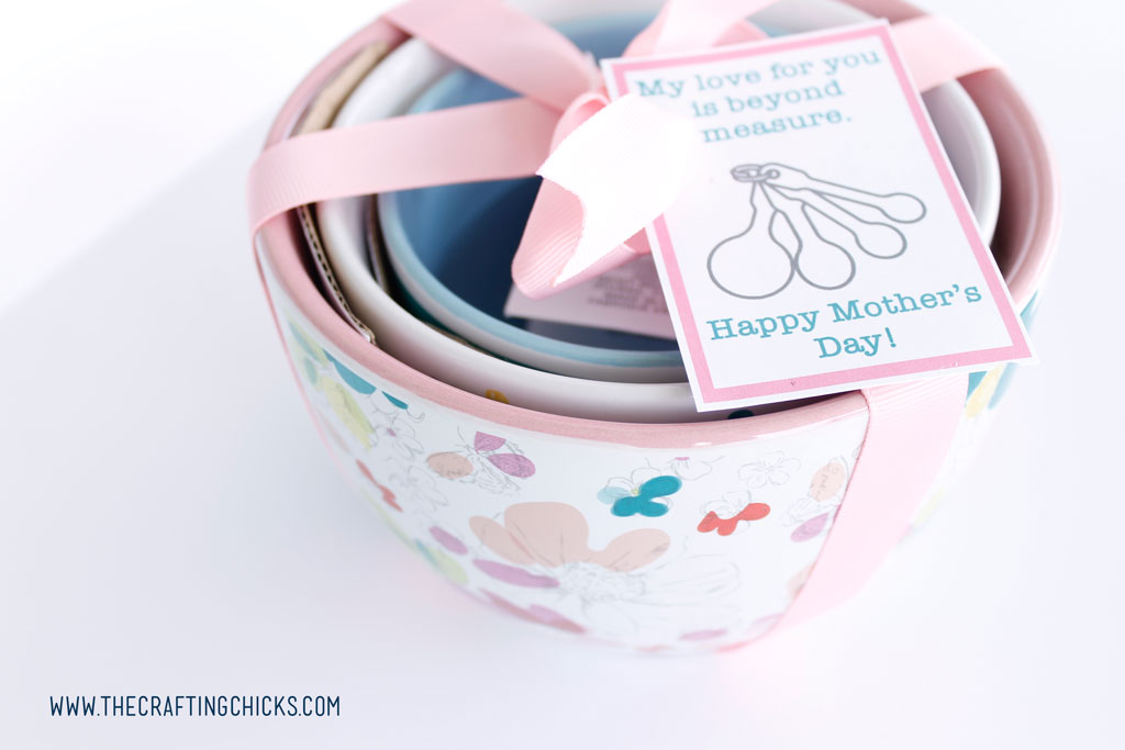 Grab your cute ribbon and tie a bow on the gift set. Then add your cute Retro Mother's Day Tags to each gift.