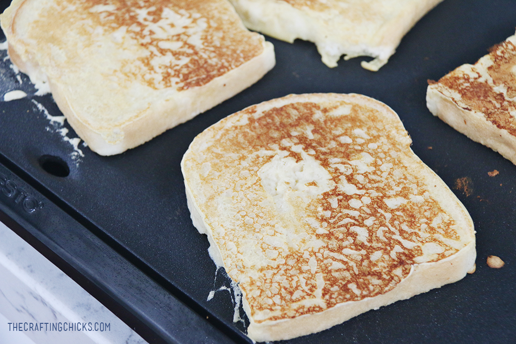 Fluffy Buttermilk French Toast Recipe - The Crafting Chicks