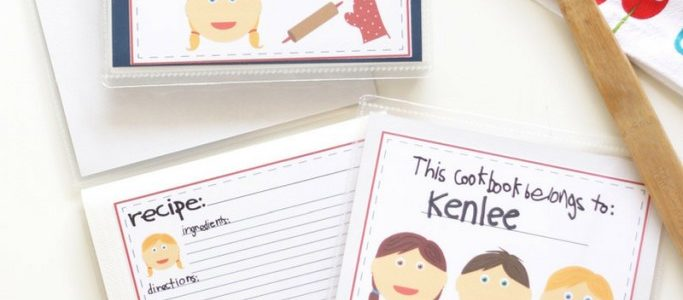 DIY Kid's Cookbook | A fun kids activity to get your kids helping in the kitchen! Printable Cookbook that your kids will LOVE!