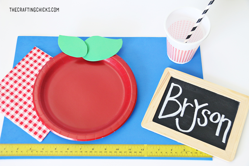 apple themed place settings for a back to school breakfast, lunch, dinner