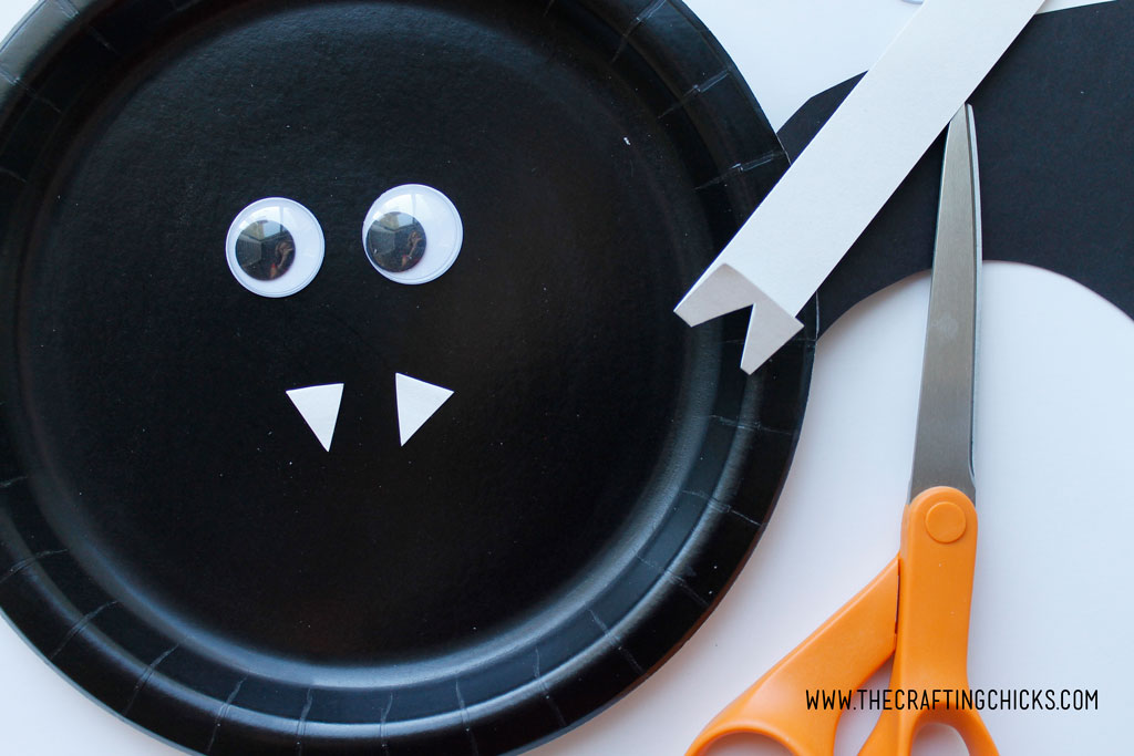 Bat Paper Plate Kids Craft is great for Halloween Class parties or anytime you want & Bat Paper Plate Kids Craft