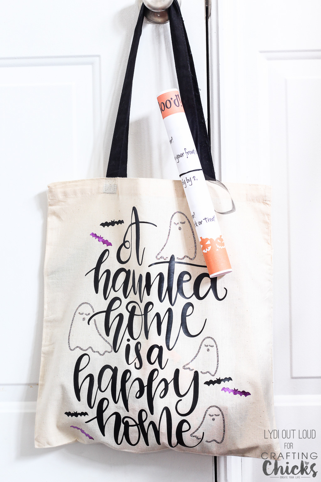 Boo your neighbors with an adorable Halloween tote bag! #Halloween #YouveBeenBood #HalloweenNeighbor Gifts