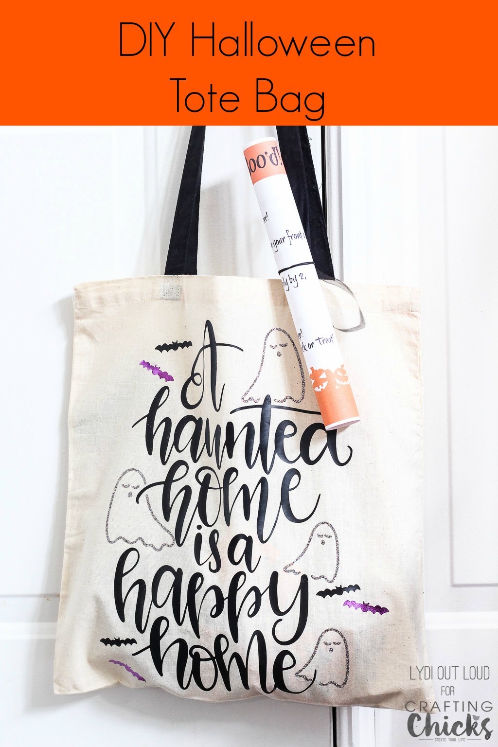 BOO your neighbors with this adorable DIY Halloween Tote Bag! #ironon #cricut #Halloweencrafts