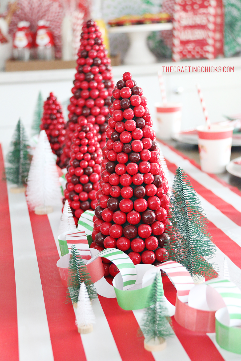Christmas Breakfast Table Centerpiece for Easy Christmas Breakfast Party Decor