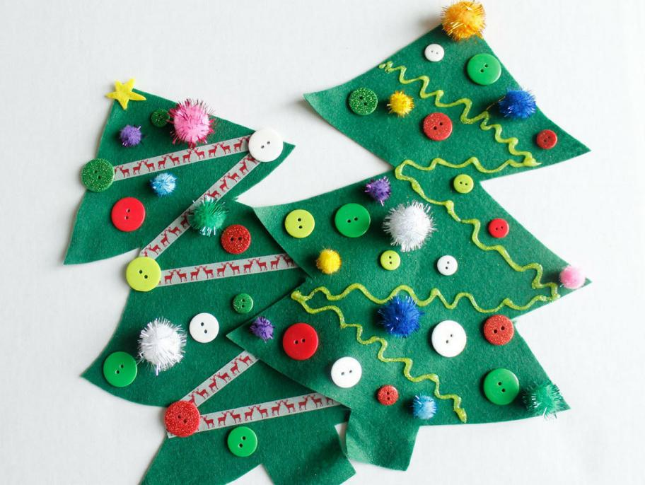 DIY Christmas Kids Crafts | Christmas activities and crafts for kids.  Simple kids crafts for play dates and class parties. #christmascrafts #kidscrafts