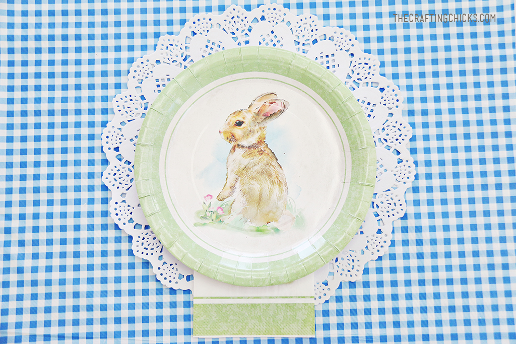 Easter Kid Table Place Settings for Easter Brunch or Dinner. Kids will love these adorable Easter Table Place Settings. Sweet touches for a sweet day!