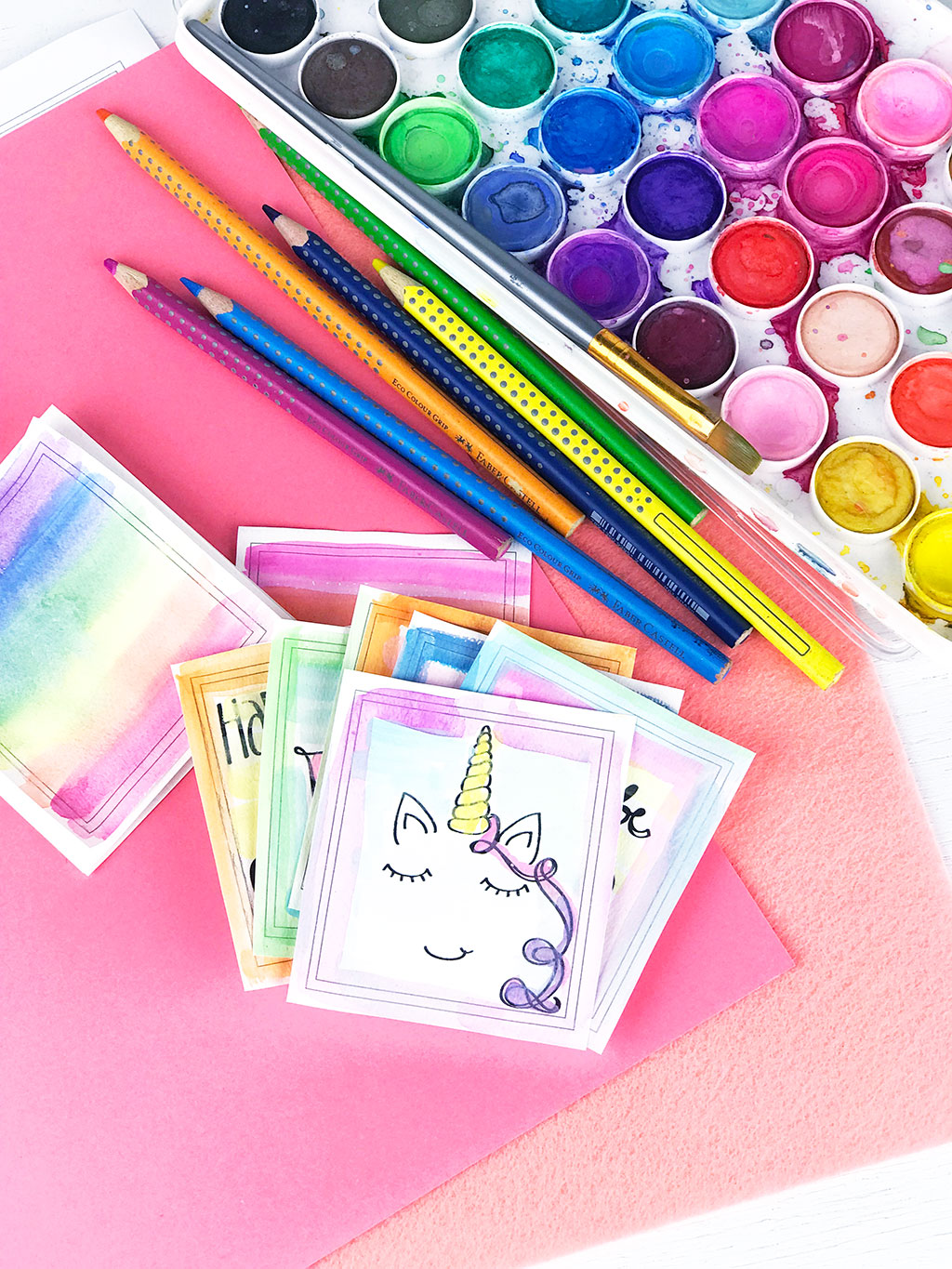 Learning About Color By Coloring | We can learn about colors by coloring. Make a coloring book that you can put together yourself and then color however you'd like. Play with the coloring supplies you use, blend colors or draw your own designs to color. #color #art #kids #activity