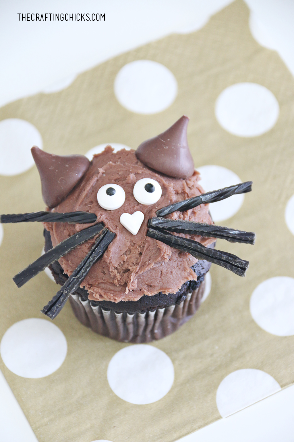 DIY Cat Cupcakes for Halloween