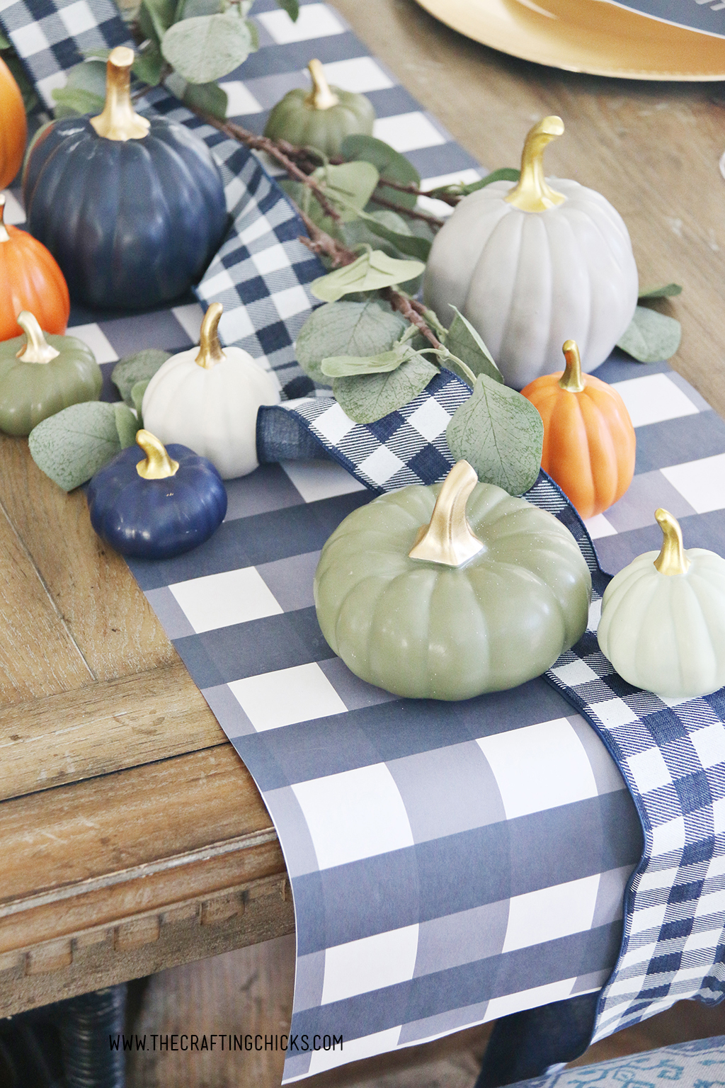 Navy and white check printable table runner for thanksgiving table