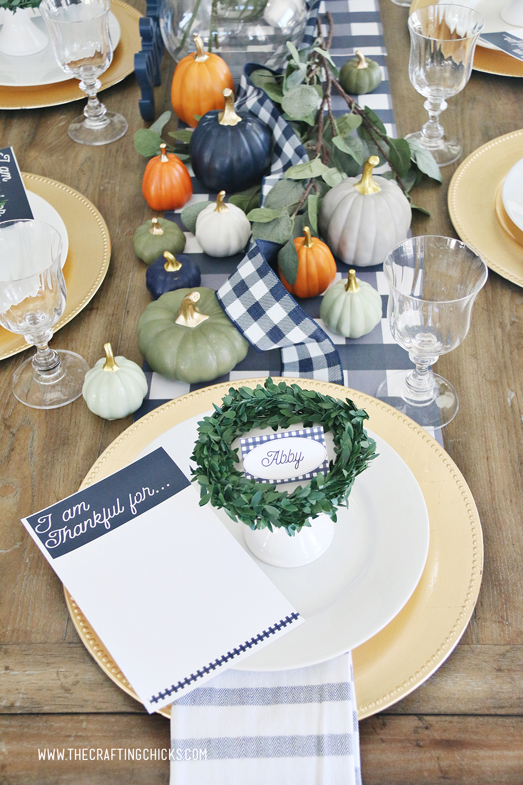 Thanksgiving printable I am Thankful for printable cards in navy and white.