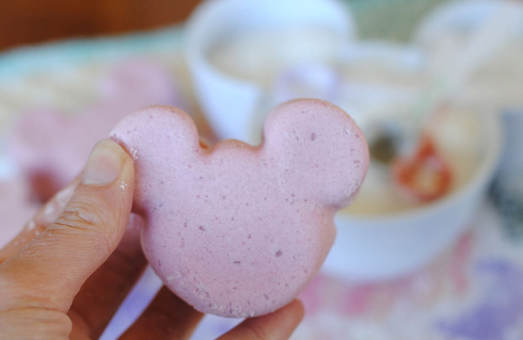 DIY Mickey Bath Bombs - Perfect Stocking Stuffers or Neighbor Gifts